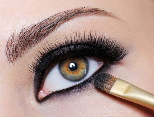 Make para os olhos exige atenção